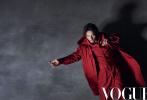 """近日,《Vogue》八月刊以""""偶像本色""""為主題,邀請了張震、胡歌、廖凡、郭富城四位實力男星登封,并演繹出四種不同韻味的時尚大片。"""