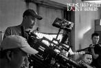 柯汶利执导的悬疑犯罪电影《误杀》今日曝光一组幕后工作照,记录了主创在拍摄现场的专注创作一刻,监制陈思诚与导演柯汶利相对而谈,全身心投入的状态极具感染力。据悉,影片将于2019年12月上映。