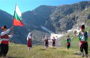保加利亚的民俗风情:玫瑰酸奶与红酒,在这里酿造出光影诗篇