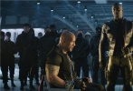 """年度动作巨制《速度与激情:特别行动》将于8月23日登陆全国院线。今日,片方发布一款""""黑超人""""角色特辑,饰演反派布里克斯顿的伊德瑞斯·艾尔巴惊喜出镜,亲自解读这位""""速激""""历史上最凶猛的超级恶棍的邪恶内心。"""