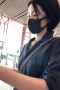 王菲休闲装与李嫣现身机场 网瘾少女大玩下衣失踪