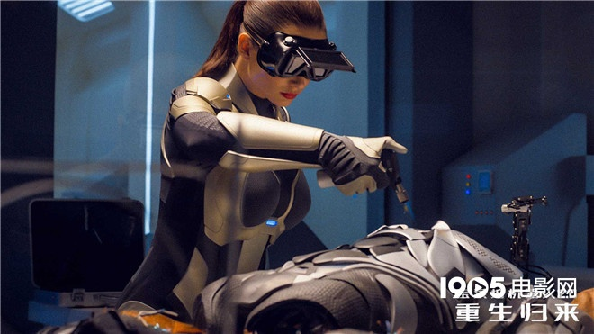 《宝莱坞机器人2》曝定档预告 脑洞大开动作火爆