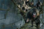 """好莱坞动作冒险巨制《勇敢者游戏2:再战巅峰》(暂译)作为今年的压轴之作将于2019年12月13日在北美上映。著名动作影星""""巨石""""强森再次挑战""""勇石博士""""一角,继续用搏命演出为观众带来前所未有的震撼体验,享受游戏世界的险象环生惊险刺激。相比前作,此次挑战难度全面升级,四人组不仅要面对原始丛林、死亡沙漠、极寒雪山等极端自然环境的考验,还要抵抗天降巨蟒、巨型鸵鸟、狂暴狒狒等凶猛怪兽的袭击,更多逆天?#26377;?#19982;炫目动作场面让?#22235;?#19981;暇接,一场刺激翻倍的冒险旅程即将展开。"""