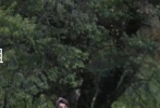 """9月16日,有网友晒出由赵丽颖、王一博主演的电视剧《有匪》在康定开机的路透照。""""周翡""""赵丽颖、""""谢允""""王一博的造型也相继曝光。路透照中,王一博身穿青色长衫,偏分的刘海发型,风流倜傥;一旁身材娇小的赵丽颖一身鹅黄色长衫,束起发髻露出额头。另一张路透中王一博背着赵丽颖,脸上展露着灿烂的笑容。"""