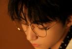 9月27日,距离首场个人演唱会还有一个月之际,王俊凯发布了全新歌曲《Ain't Got No Love》,首度挑战英文情歌,用全新的演唱方式,潇洒呈现故事里的洒脱与感悟。
