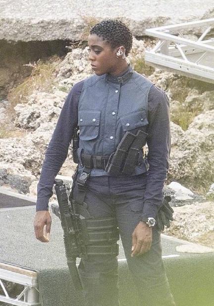 首位黑人女性007造型曝光 拉什纳·林奇现身片场