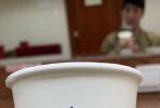 """9月30日,王力宏通过微博晒出一组参加七十周年文艺晚会的照片,并配文写道:""""壮丽70年表白新时代, 这个月的排练,审查,公演,到昨晚的终身难忘场面,今晚千万不要错过《奋斗吧中华儿女》音乐舞蹈史诗!'不忘初心,继续前进,万水千山最美,中国道路!'"""""""