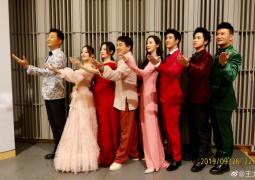王力宏参与70周年庆祝活动 与成龙张杰等同台合作