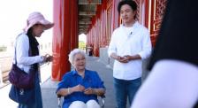 《足跡》拍攝花絮 為節目效果積極配合的田華老師