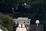 近日,有网友晒出偶遇《潮流合伙人》嘉宾吴亦凡、Angelababy、赵今麦等人现身日本东京游乐园拍摄。