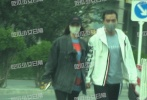10月17日,有八卦媒体报道称王丽坤与男友现身北京朝阳区民政局,疑似领证结婚。