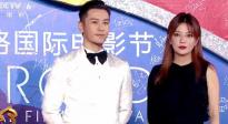 黃曉明趙薇合體亮相閉幕式紅毯 趙薇推薦《兩只老虎》