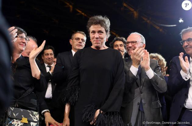 奥斯卡最佳女主角弗朗西斯:握手可以,拒绝拍照