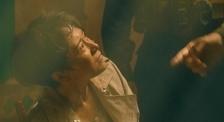《紅海行動》記者海清被綁架,蛟龍突擊隊長如何營救?