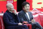 11月11日,由李非执导,赵薇监制并主演,葛优、乔杉领衔主演的喜剧电影《两只老虎》在北京举行发布会,导演李非携主创葛优、赵薇、乔杉、闫妮、潘斌龙出席。