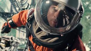 """《星际探索》""""太空历险""""版预告 布拉德·皮特太阳系漂流"""