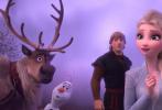013年上映的迪士尼动画《冰雪奇缘》至今仍是全球最卖座的动画电影,12.7亿美元的票房无人能超越。主题曲《Let it Go》也成为全球传唱的金曲,并拿下奥斯卡最佳原创歌曲奖。如今,时隔6年,续集《冰雪奇缘2》终于姗姗来迟,影片的歌曲及配乐也再度成为影迷关注的焦点。外媒也在上映前专访了影片主创,揭秘金曲背后的创作故事。