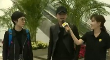 金鸡奖闭幕式主持人邓超:有太太到场支持,不紧张