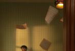 11月26日,王俊凯登封《SuperEllE》2020年开年刊封面大片发布。由摄影师陈漫掌镜,为王俊凯拍摄的这组时尚大片,为这个初冬带来一丝暖意。王俊凯琥珀色双眸温柔地直视镜头,眼神透露出坚定的力量。