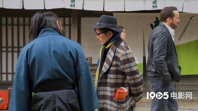 园子温新片曝片场照 烂片之王尼古拉斯·凯奇出场