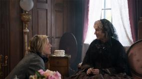 """《小妇人》""""老娘有钱""""片段 西尔莎·罗南与梅姨同场飙戏"""