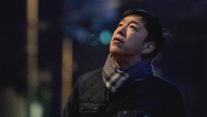 《被光抓走的人》主题曲《背光》MV