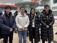 王俊凯关晓彤吴磊参加活动:我们都穿校服不告诉他