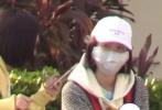 一个多月前,唐艺昕现身机场被媒体爆料疑似怀孕,当时张若昀和唐艺昕均没有回应此事。12月16日,有网友曝出在三亚偶遇唐艺昕的画面。