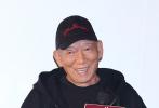 """12年功夫江湖终须一别。12月19日,《叶问》系列终结篇《叶问4》在北京举行首映,叶伟信、袁和平、甄子丹、吴樾、陈国坤、吴建豪等主创悉数现身。他们当中既有老朋友,也有新面孔,但毋庸置疑,每个人都对""""叶问""""这个名字有着特别的感情。"""