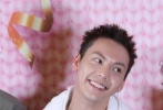 1905电影网讯  12月22日,电影《宠爱》在北京举行首映,监制徐峥、导演杨子携于和伟、吴磊、张子枫、陈伟霆、钟楚曦、钟汉良、杨子姗、檀健次、阚清子、郭麒麟、李兰迪等主创出席,客串本片的ONER组合成员岳岳、木子洋也惊喜现身。