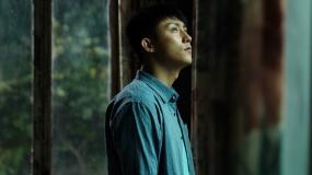 """《荞麦疯长》""""启程版""""预告 黄景瑜演绎异乡奋斗小人物"""
