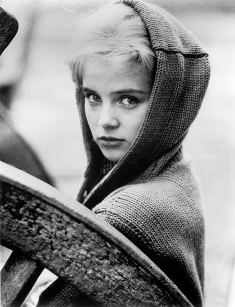 """《洛丽塔》女主苏·莱恩去世 曾被赞""""完美少女"""""""
