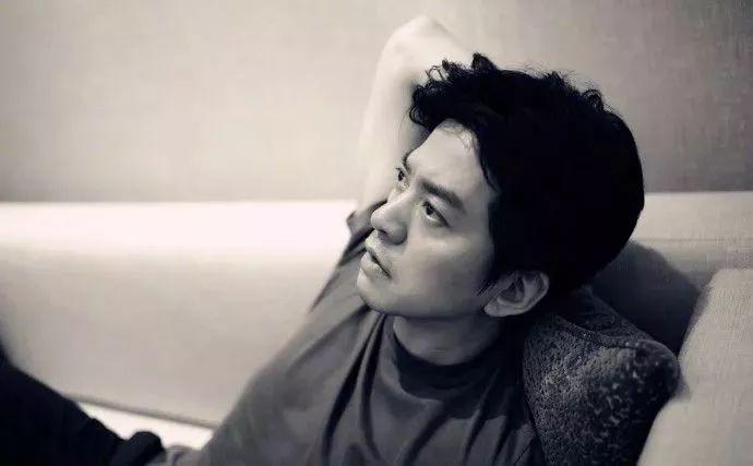 45岁李健:人到中年不装逼