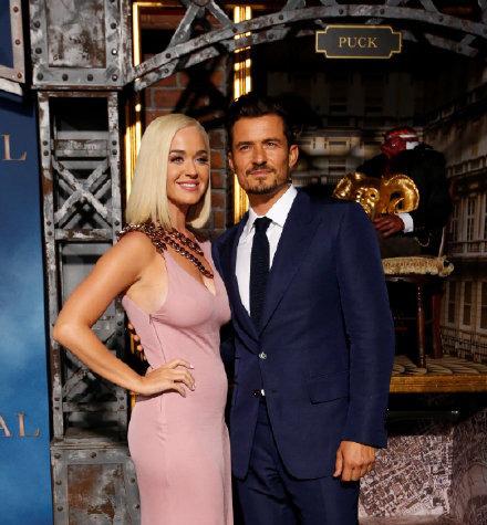 婚期将近?凯蒂·佩里与奥兰多被曝十二月举行婚礼