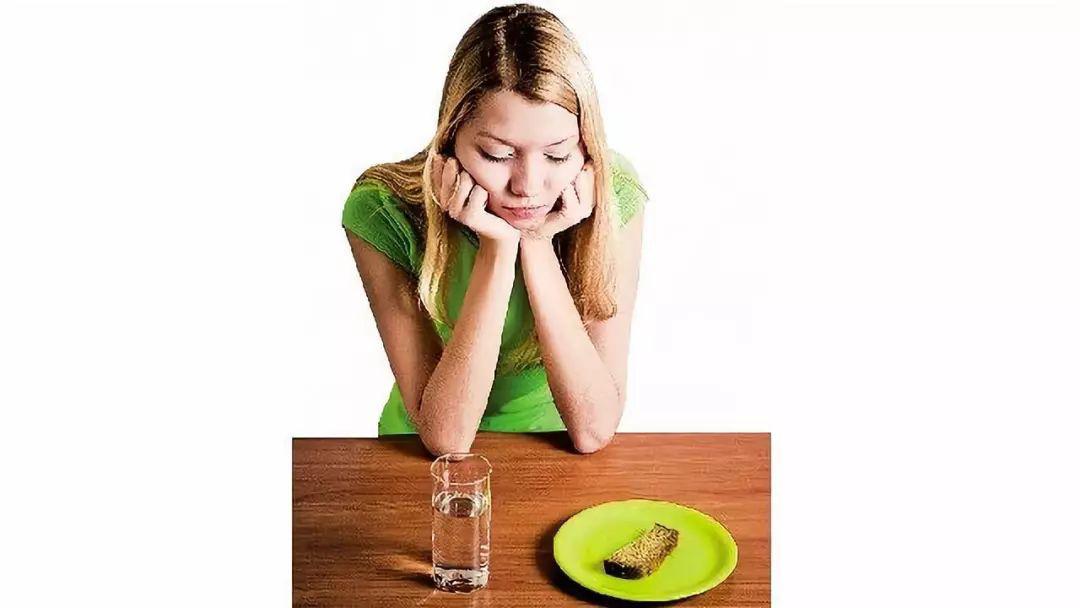 英国节目让胖子和瘦子互换饮食N天,最后的结果意想不到...