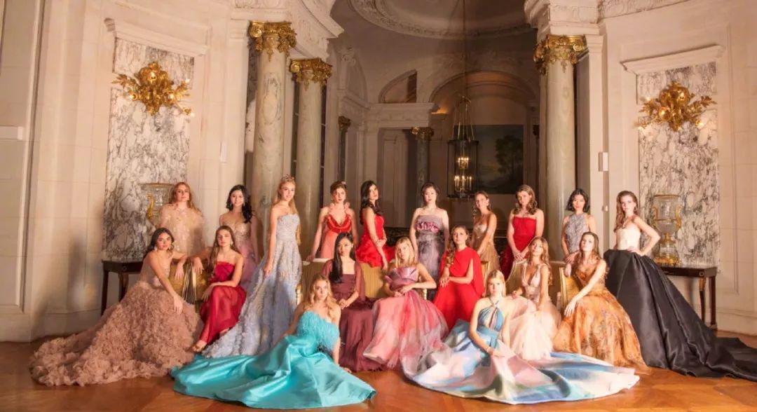 李连杰女儿参加的全球顶级白富美舞会,门槛有多高?