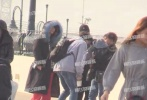 1月2日,有媒体曝光了吴奇隆刘诗诗带儿子步步一同出游迪士尼的画面。此前,就有媒体爆料吴奇隆不远千里现身上海探班爱妻刘诗诗,没想到还带儿子一同前往。