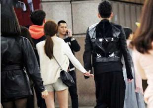 王大陆新恋情曝光 网友热讨:和他接吻会被吃掉