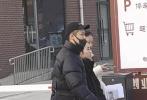 1月14日,有网友晒出偶遇张子枫现身河南省艺术类统考的照片。