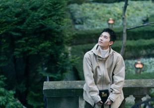 杨洋男装周拍摄森系男友风写真 邂逅俊逸明朗少年