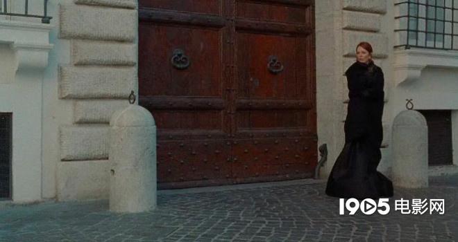 漫威宇宙时间线 朱丽安·摩尔短片预告发布 曾在戛纳电影节展映