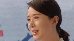 《两地书》第四集主人公哽咽播报 演员颜丹晨真情诠释书信