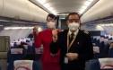 《中国机长》原型人物刘传健再度执飞 为护送医护人员加油!
