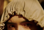 3月2日,陳飛宇登上《風度men's uno》3月號雜志封面大片發布。陳飛宇置身充滿復古文藝氣息的藝術工作室,享受巴黎午后陽光,帶來的閑暇時光,思考自己一直想做的事。
