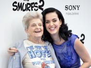 水果姐奶奶去世享年99岁 临终前与孙女通话道别