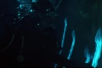 惊悚片《海热》发布预告片 半透明寄生兽首露狰容