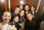 3月11日,赵雅芝的儿子黄恺杰通过微博晒出一组出席《花木兰》全球首映礼的照片。照片中,他和刘亦菲、甄子丹等众星合影,帅气有型。