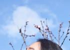 木村光希分享初春美照 置身花间侧颜温柔瞳色迷人