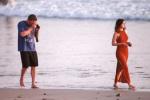 大本秒变摄影师男友 与安娜·德·阿玛斯海滩漫步