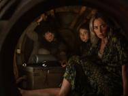 《寂静之地2》惊悚升级 艾米丽·布朗特携子逃亡